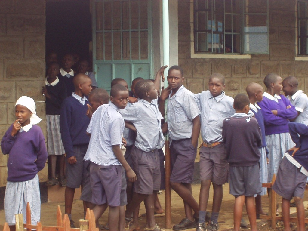 Kenyan students awaiting world teacher aid donations